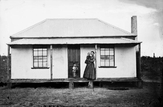 Cottage in Fletcher St, Hill End 1872